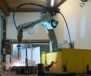 溶接用ロボット