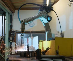 当社の溶接用ロボット